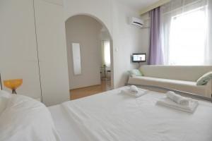 bedroom2048x1367